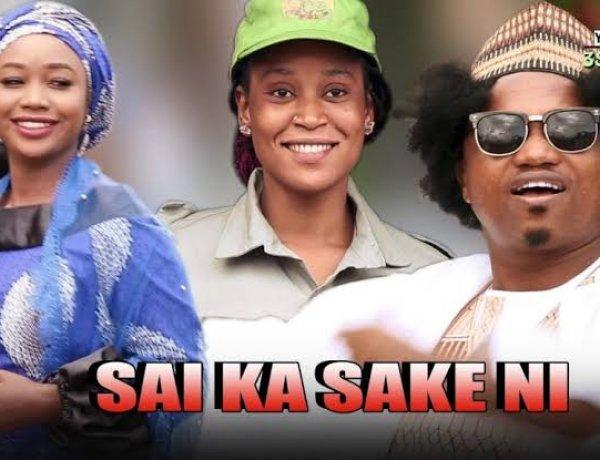 Yamu Baba Ft. Zainab Sambisa - Saika Sakeni Mp3 Song 2021